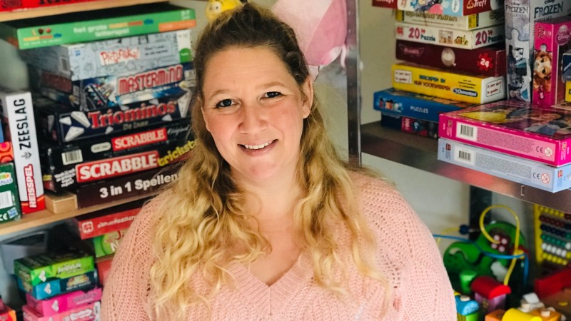 Alleenstaande moeder Joyce start speelgoedbank in Wormerveer