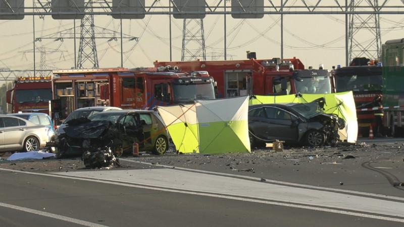 Drie doden na groot ongeval op de A2 richting Amsterdam.