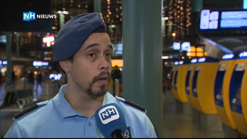 Wat is er precies gebeurd in het vliegtuig op Schiphol? Verslaggever Doron Sajet geeft uitleg