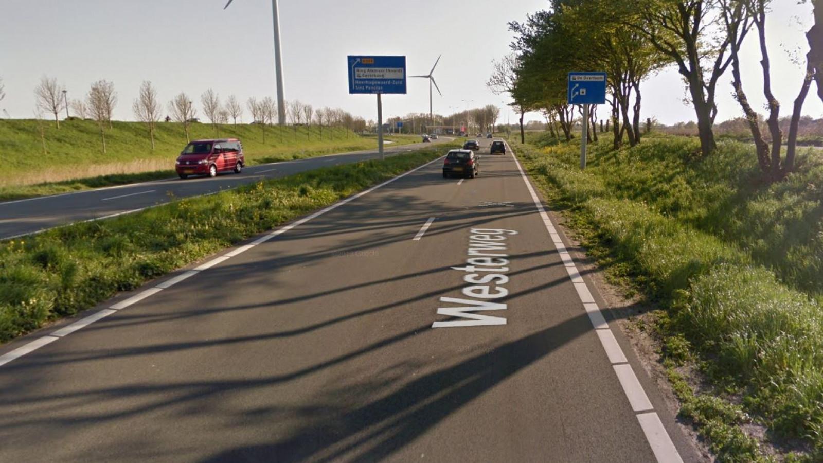 N242 bij Heerhugowaard in beide richtingen dicht door ongeluk.