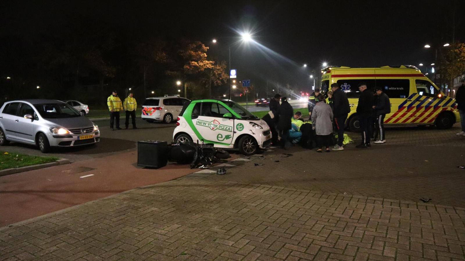 Koerier naar ziekenhuis na botsing met andere koerier in Heerhugowaard.