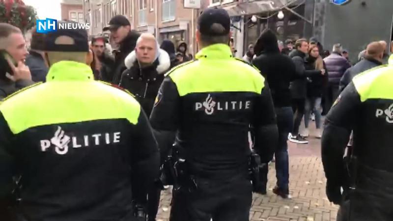 Politie sluit weg af tijdens intocht Alkmaar