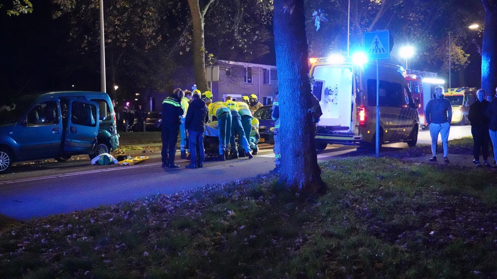 Voetganger gewond bij botsing met auto in Hoorn.