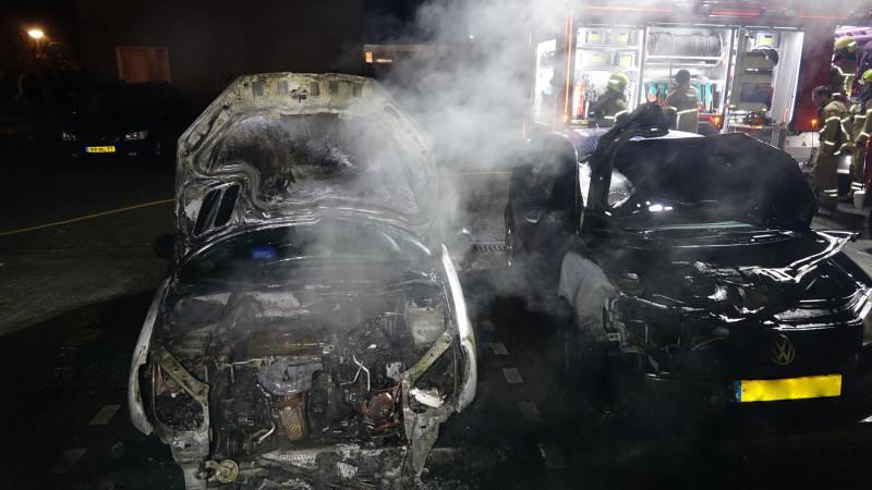Twee auto's uitgebrand in Anna Paulowna