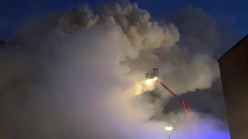 Bij de brand komt veel rook vrij