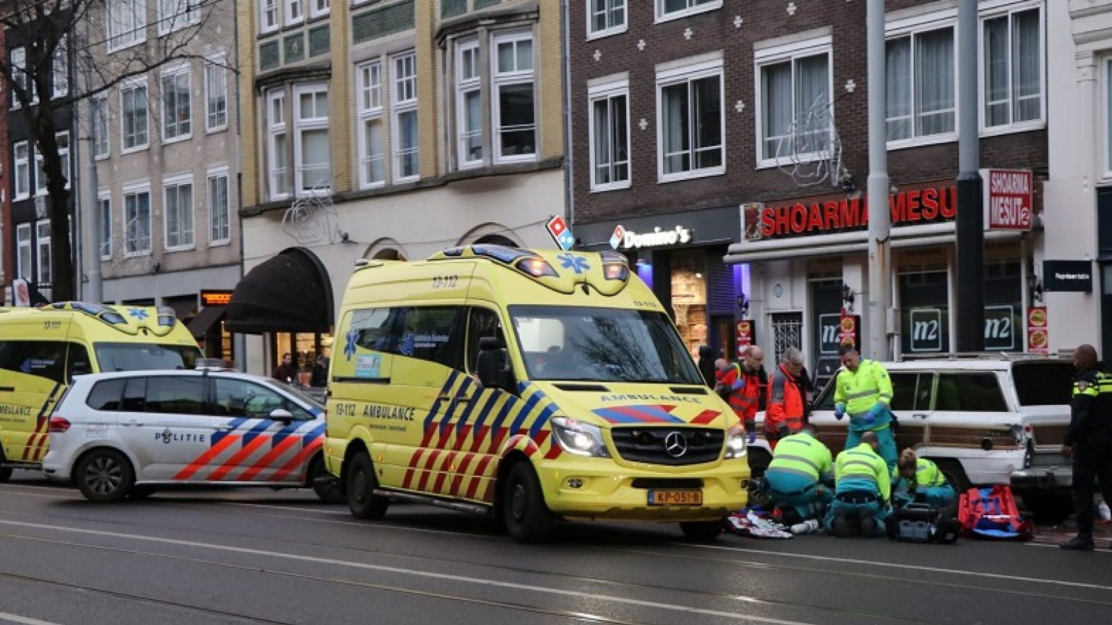 Bestuurder brombakfiets gewond na ongeluk op Rozengracht.