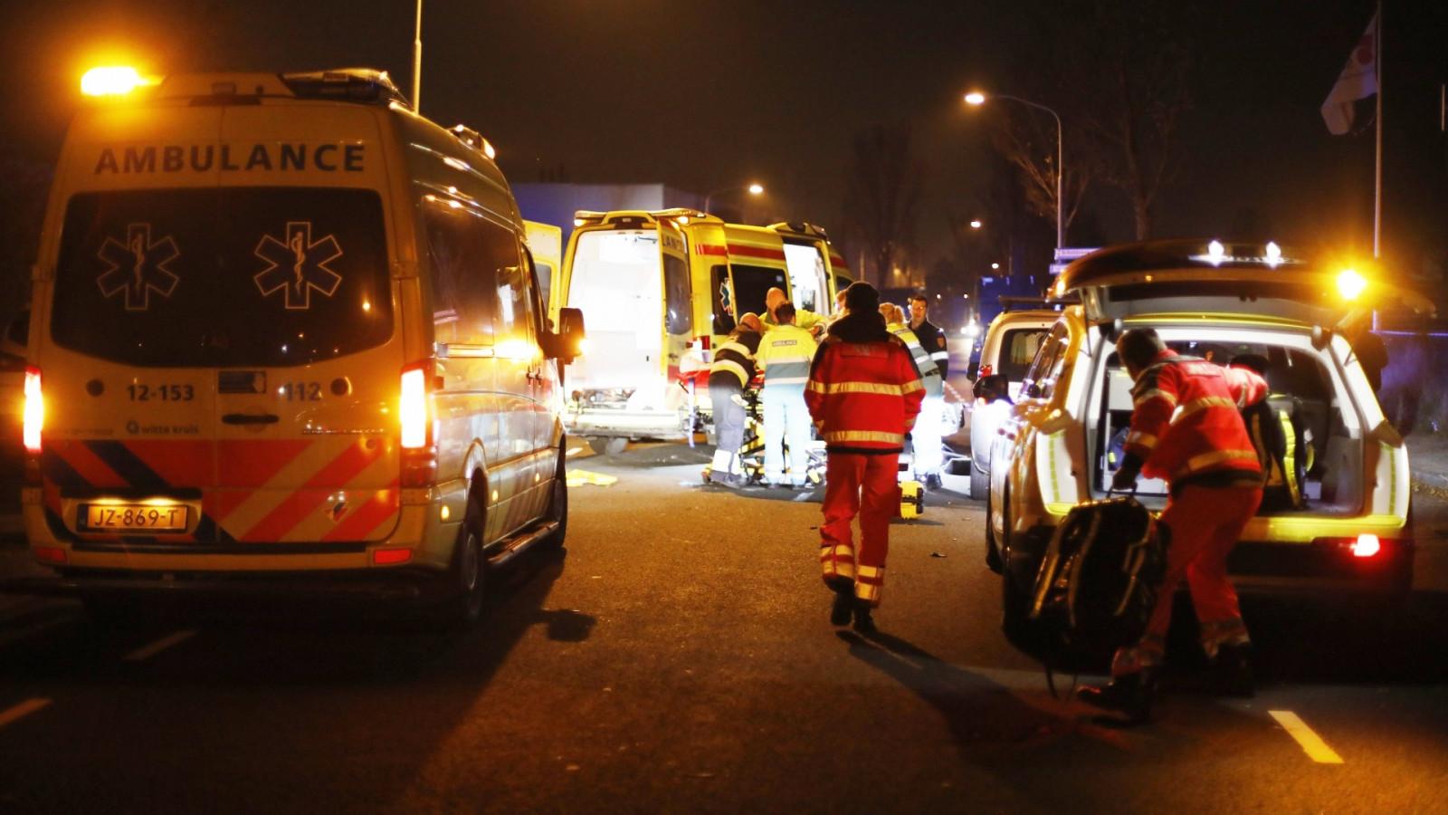 Fietser zwaargewond bij aanrijding met auto in Haarlem.