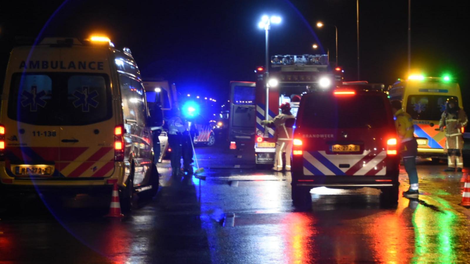 Meerdere lichtgewonden bij ongeluk door noodweer op A7 bij Noordbeemster.