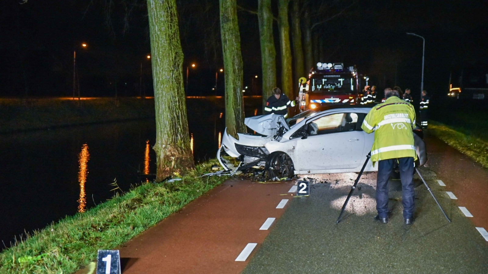 Bestuurder omgekomen bij ernstig auto-ongeluk in Nieuw-Vennep.