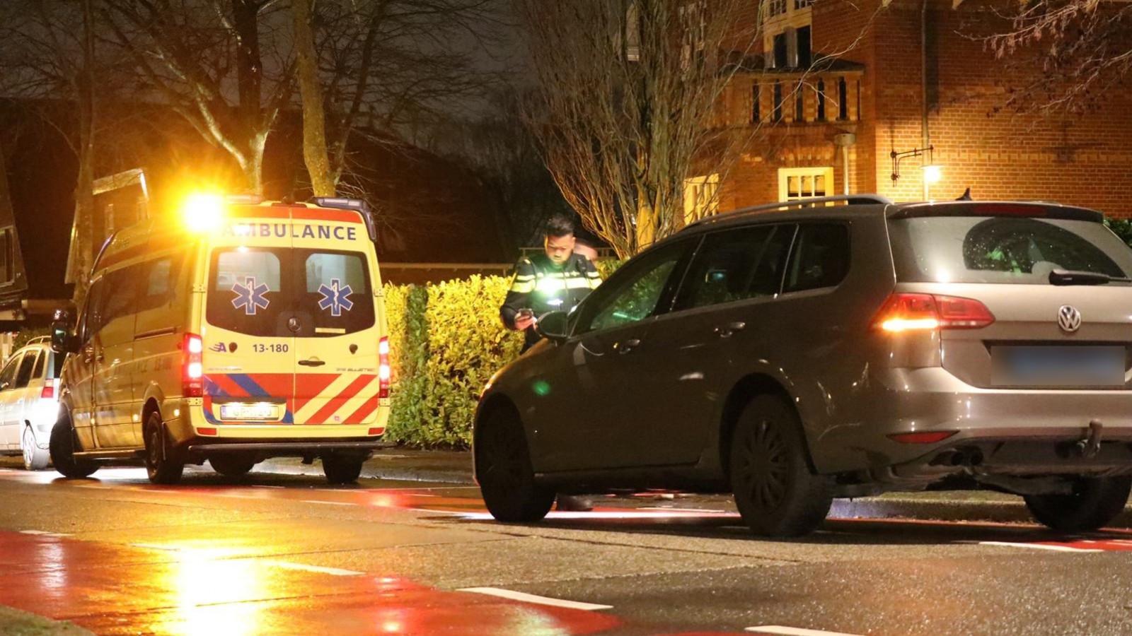 Fietser gewond na aanrijding taxi in Amstelveen.