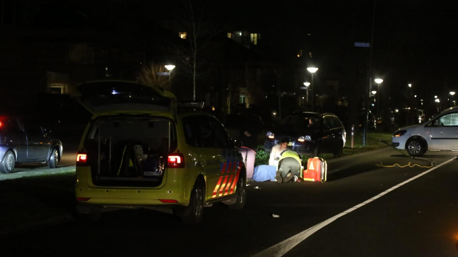 Jongen gewond na aanrijding tussen scooter en auto in Kampen.