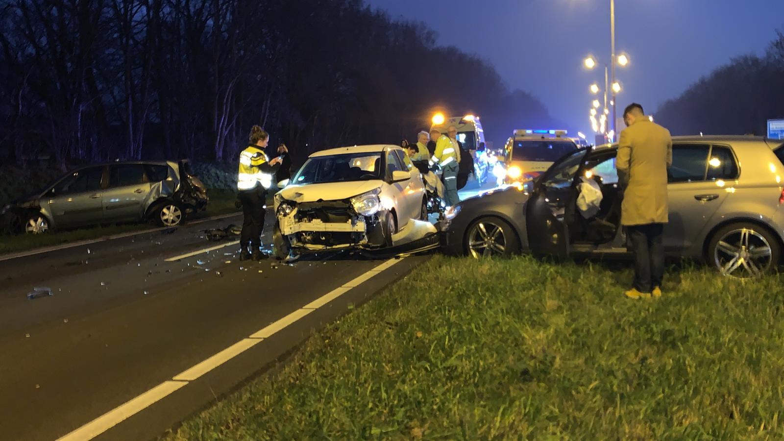 Ongeluk met vijf autos op de Alkmaarse ringweg: half uur file.