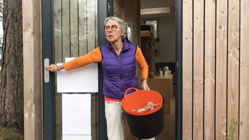 Marileen in haar tiny house