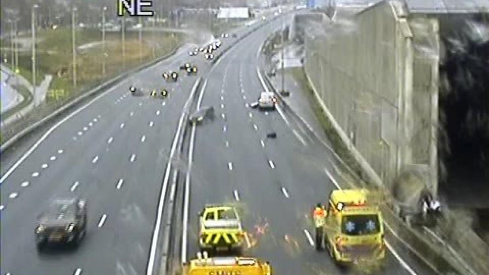 A9 dicht tussen Diemen en Amstelveen door ongeluk.