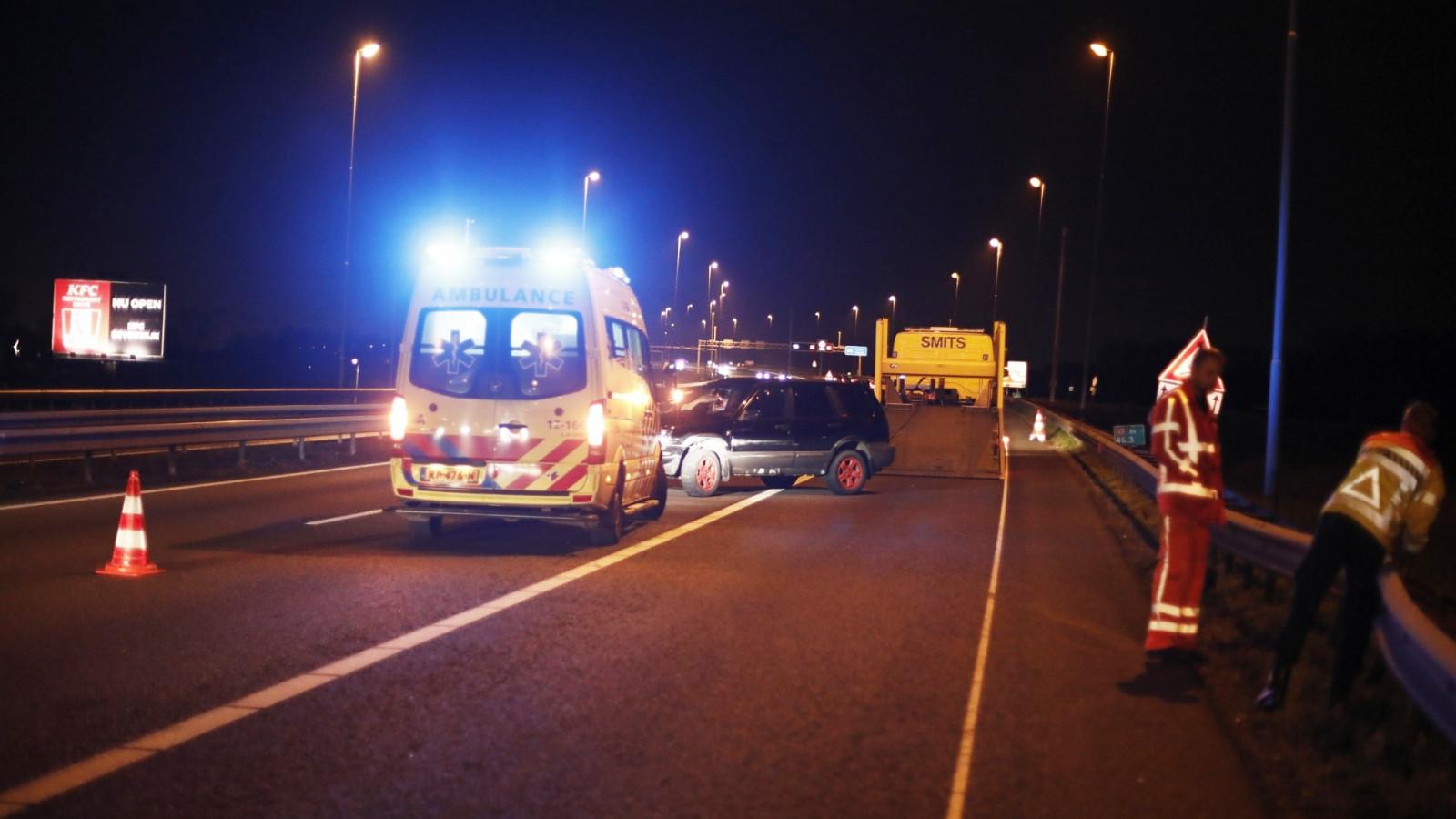 Ongeluk door onwelwording zorgt voor vertraging op A9.