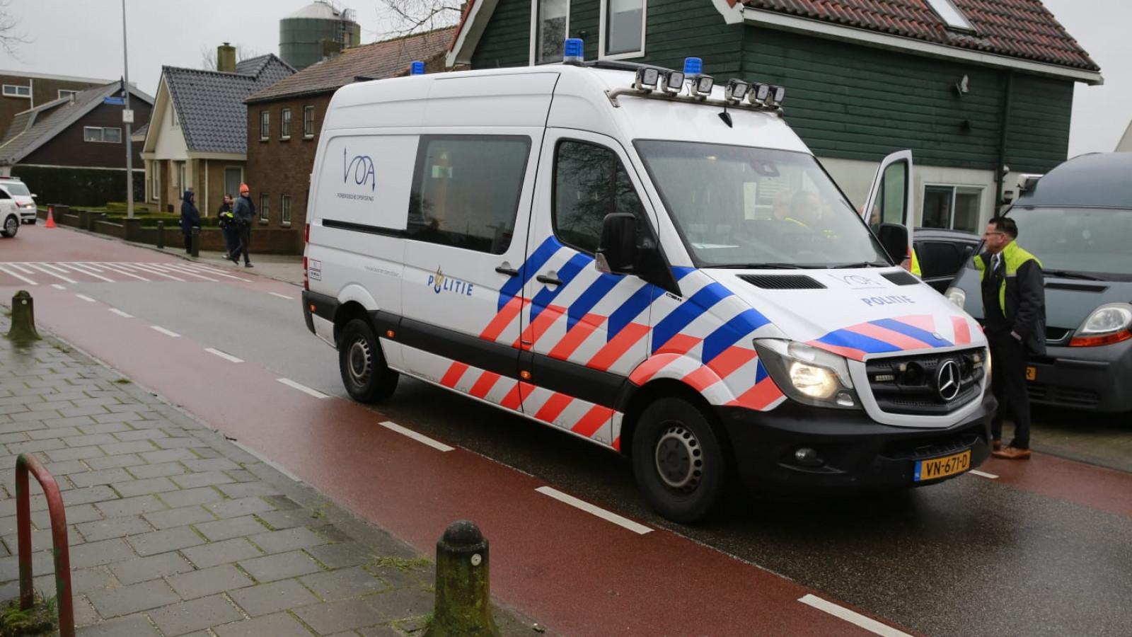 Ernstige aanrijding tussen Connexxion-bus en fietser in Berkhout.