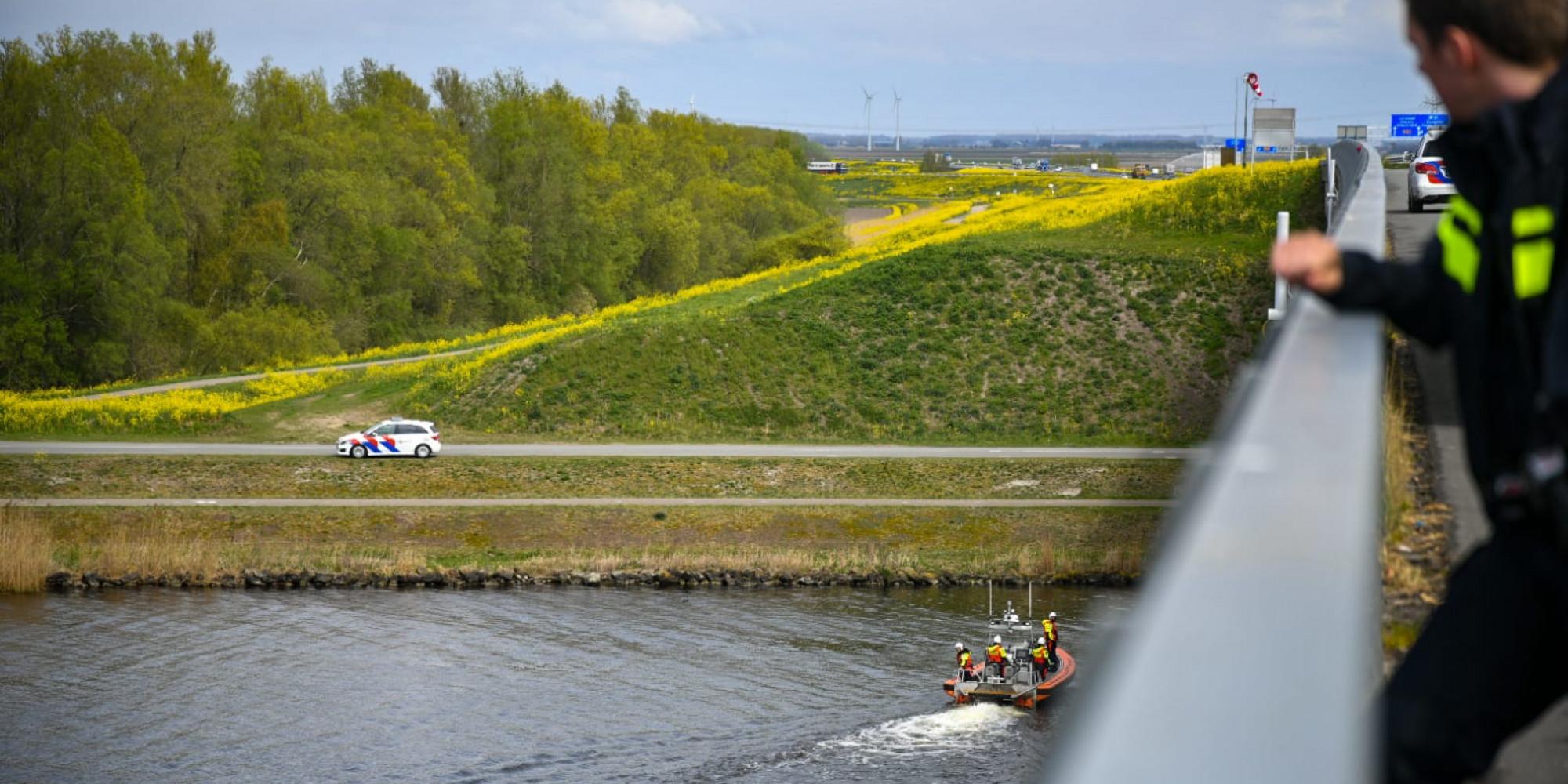 Zoekactie drenkeling Gooi- en Eemmeer (Stichtsebrug)