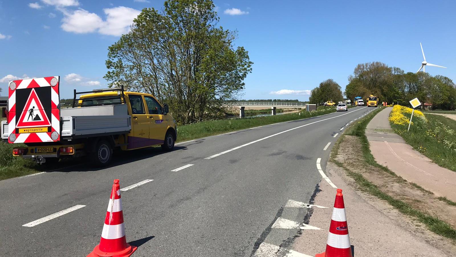 Gewonden bij frontaal ongeluk in Wieringerwerf, weg afgesloten.