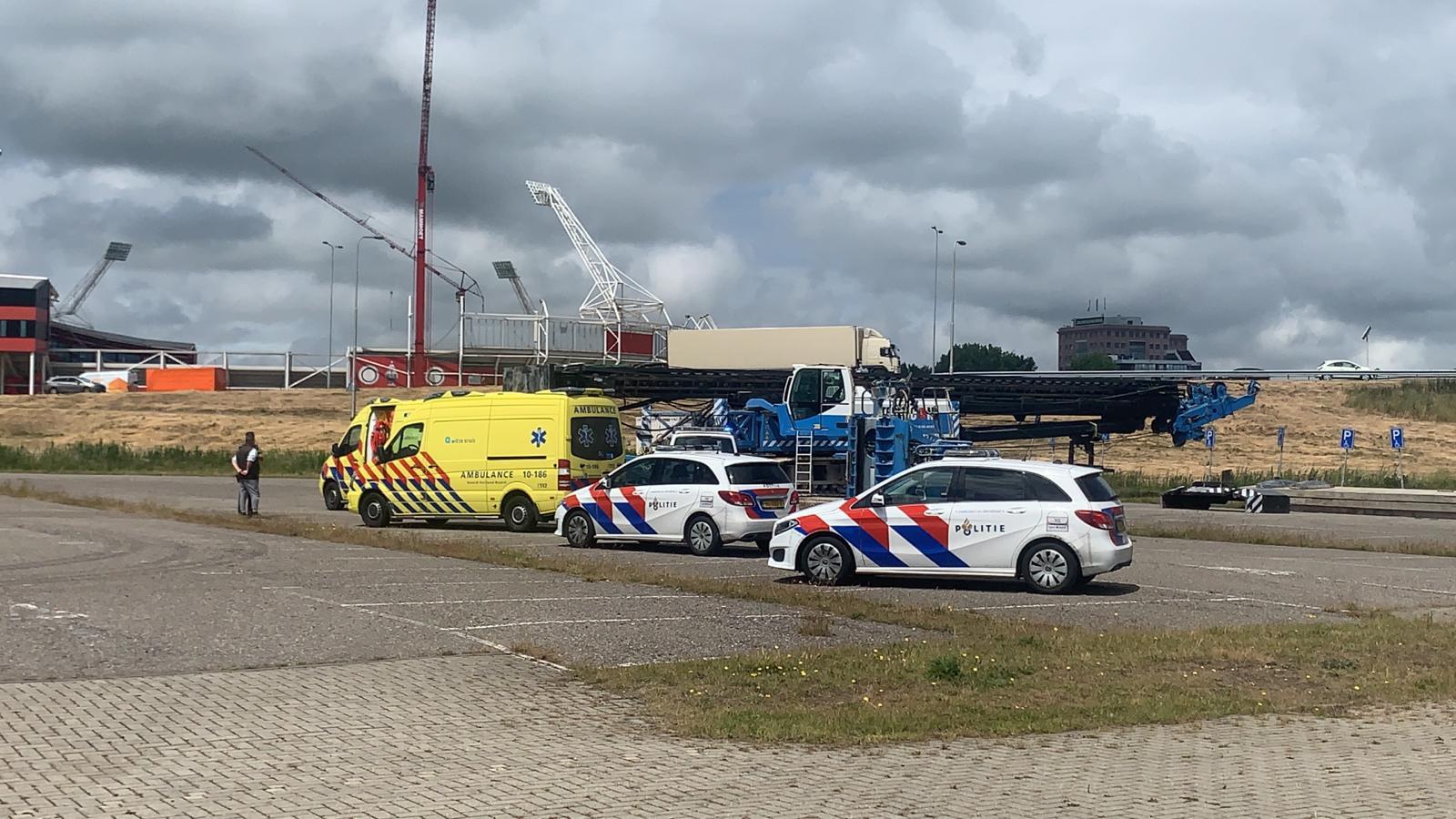 Bejaarde vrouw overleden na botsing met bouwkraan in Alkmaar.