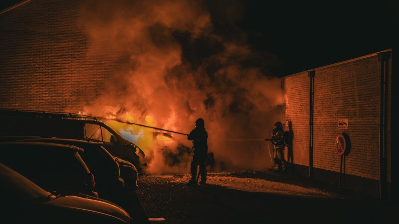 Weer autobrand in Hilversum