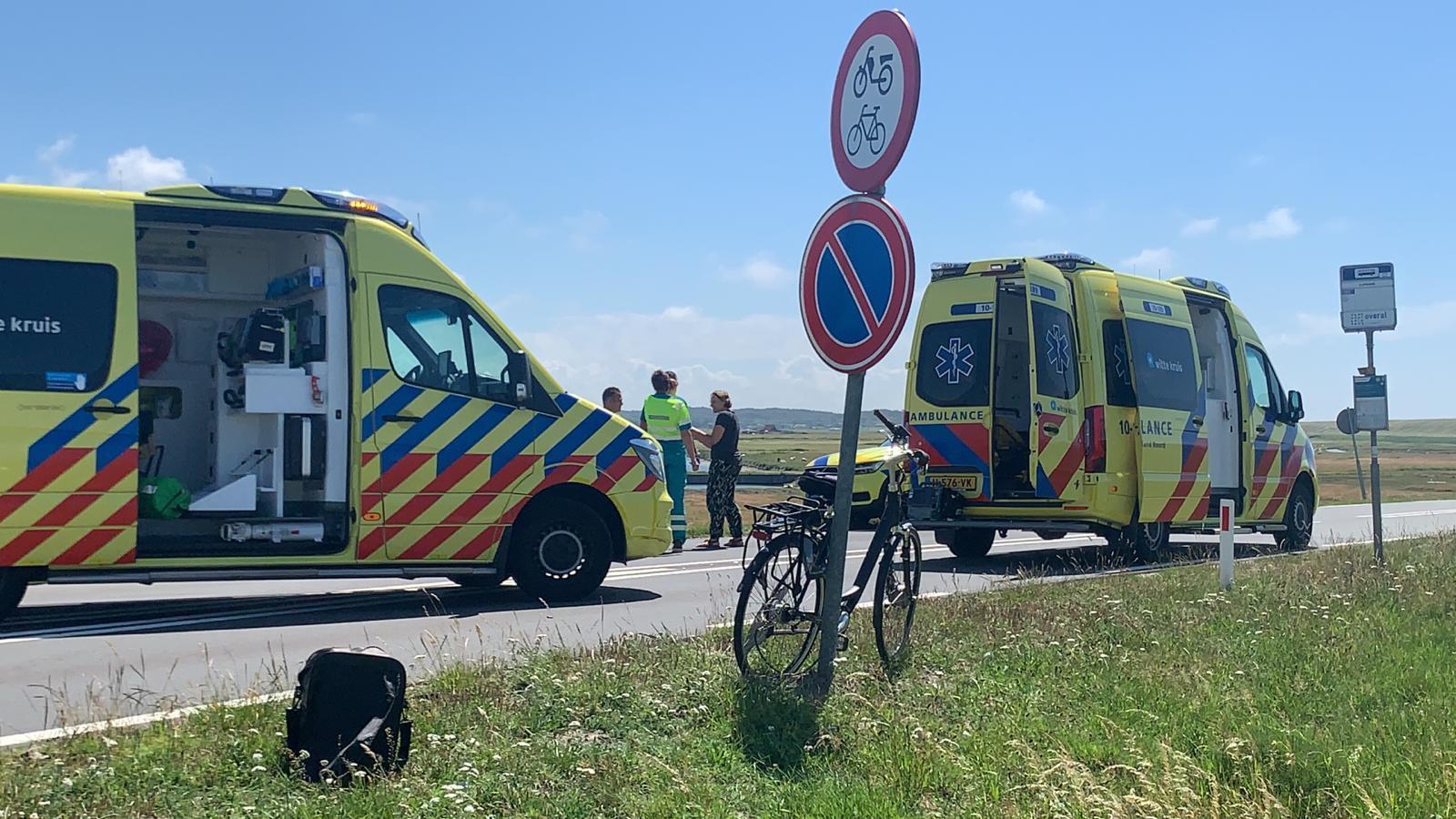 Fietsster overlijdt na botsing met auto nabij Schoorl.